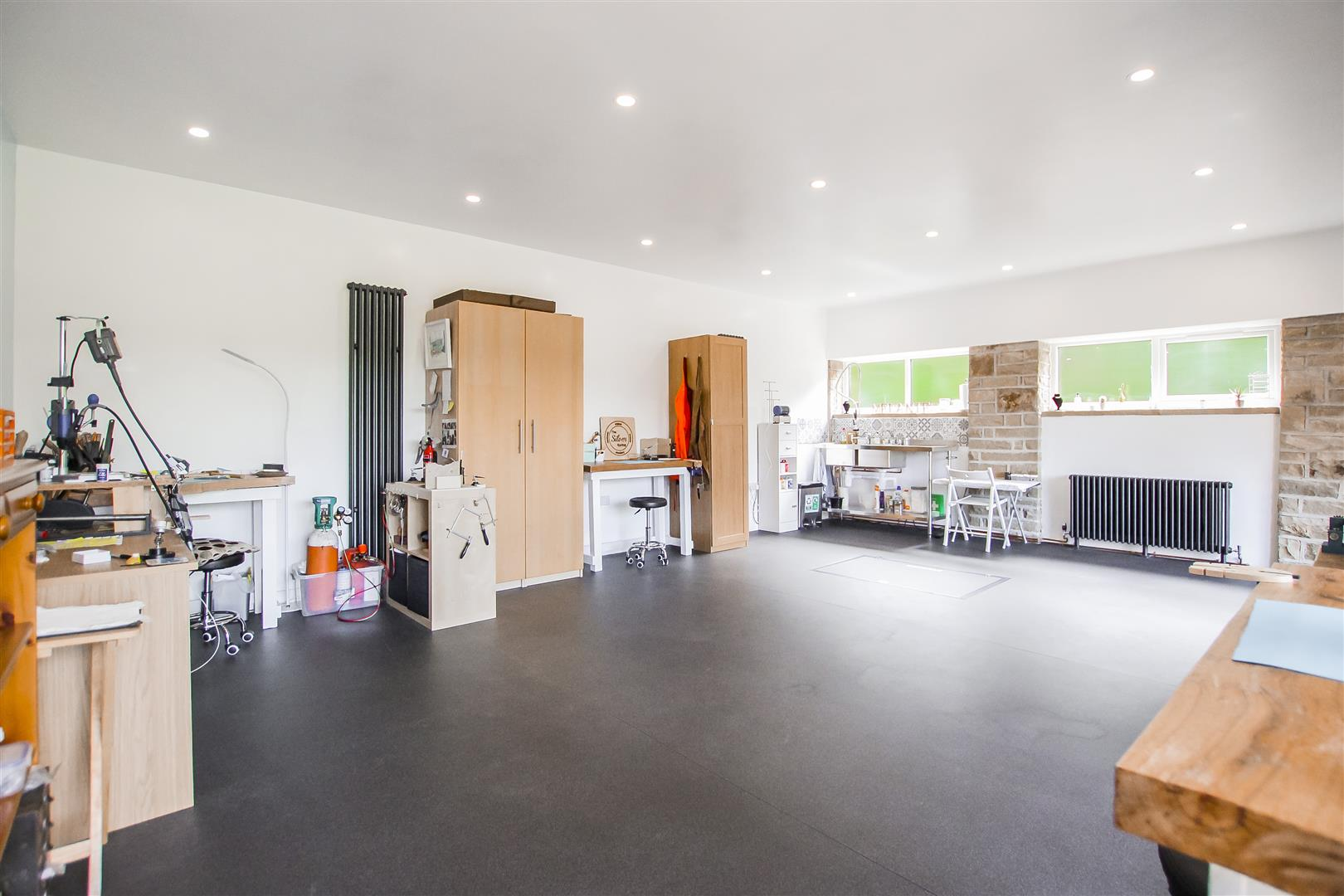 6 Bedroom Detached House For Sale - Hobby Room